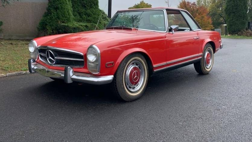 This 1968 Mercedes-Benz 250SL is an excellent original car with two tops, air conditioning, and an a