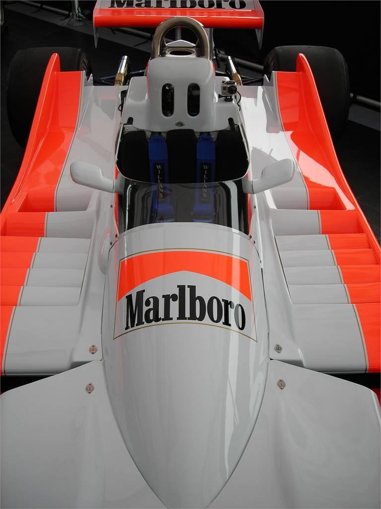 MARLBORO VINTAGE INDY CAR