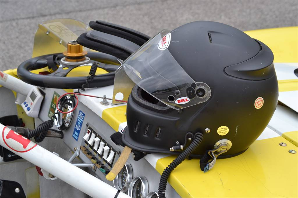 HELMET GLOVES STEERING WHEEL READY TO RACE